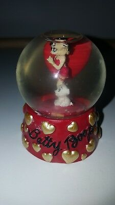 Collectors Betty Boop heart 6CM Snow Globe / Water Ball 2003 #6957 Westland