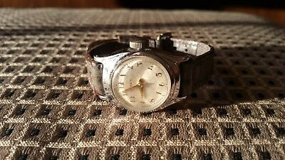 Vintage Timex Classic Women's Round Analog Watch Gray Leather Band