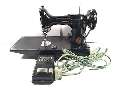 Singer Featherweight 221 Vintage Sewing Machine Cat 3-120 Made In USA