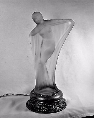 ANTIQUE NUDE WOMAN ART DECO ALADDIN FROSTED GLASS TABLE LAMP VINTAGE 1920s