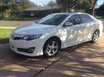 2012 Toyota Camry SE 2012 Toyota Camry SE.  low low miles.