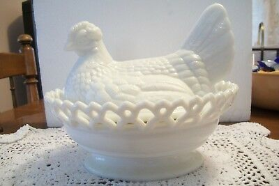 Westmoreland White Lace Trimmed Hen On A Nest- Perfect!