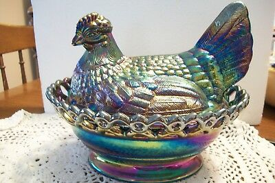 VTG. WESTMORELAND AMETHYST CARNIVAL HEN ON A NEST with LACE BASKET- PERFECT!