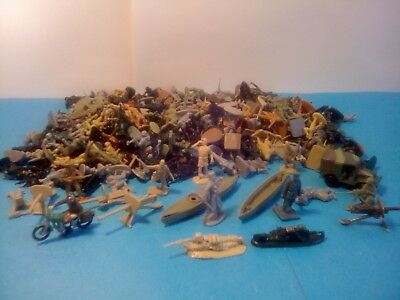 VINTAGE AIRFIX + OTHER 1:72SCALE c1960's WW2 SOLDIERS 250+ .LOT.18.08*U.K.ONLY