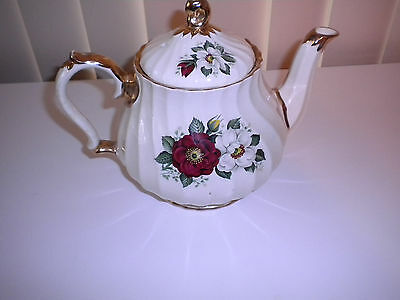 """SADLER TEAPOT-Made In England- Excellent Condition 7"""" TALL *SALE*"""