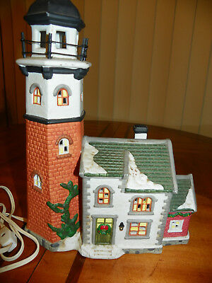 2000 Cape May Lighthouse Santa's Workbench Collection Victorian Series Christmas
