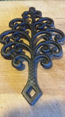 Vintage Griswold Cast Iron Trivet #1726. Tree Design