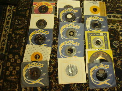 16 Elvis Presley 45 R.p.m. Records