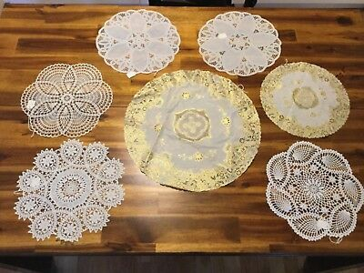 Assorted Plastic Lace doilies
