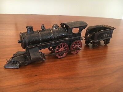 ANTIQUE TOY LOCOMOTIVE & COAL CAR — Circa 1900s / Cast Iron