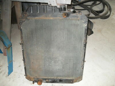 Ford/New Holland 7840 Radiator in Good condition