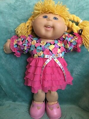 """Candy hearts and ruffles dress fits 16-17"""" CPK--CLOTHES ONLY"""