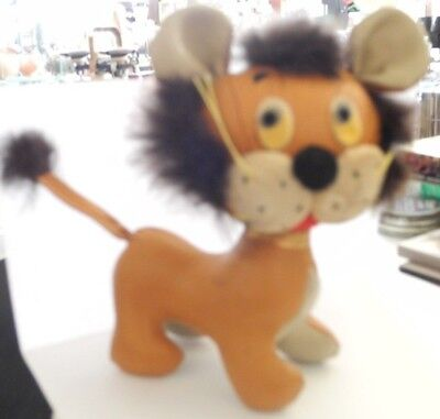 Vintage Hedaya Holiday Fair Lion- 5 inches high with tags