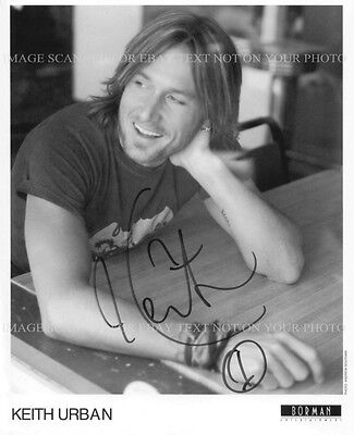 KEITH URBAN SIGNED AUTOGRAPHED 8x10 RP PROMO PHOTO GREAT COUNTRY SINGER