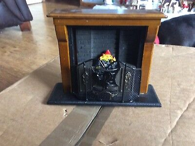 Dolls House Miniature Furniture  Wooden Fireplace with Fire in Range Grate