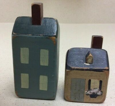 PRIMITIVE COUNTRY FARMHOUSE DECOR Small wood houses