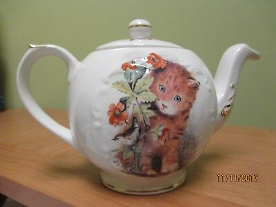 Crown Dorset Staffordshire England Single Serve Teapot Cats and Butterflies