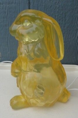 Vintage Nursery Baby Room Plastic Lucite Yellow Bunny Rabbit Lamp Light 9 1/2""