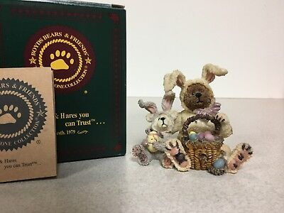 "Boyds Bearstone ""Marlowe w/Kinsey...Egg Detectives"" Special Occasion Exclusive"