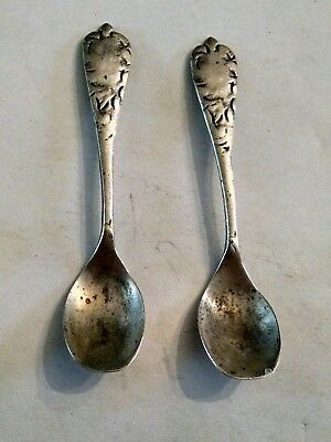 Mexican Sterling silver two Small Spoons  weight 4.4 G