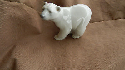 LLADRO WHITE POLAR BEARS -    # 1207  Walking  Mint
