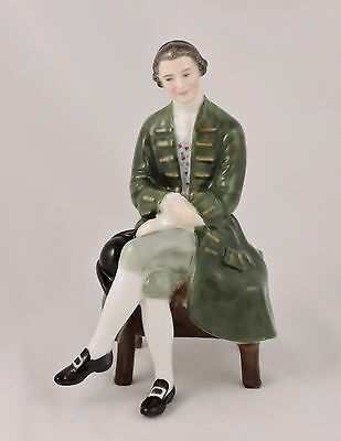 Royal Doulton Figurine A Gentleman from Williamsburg HN2227 Williamsburg Series
