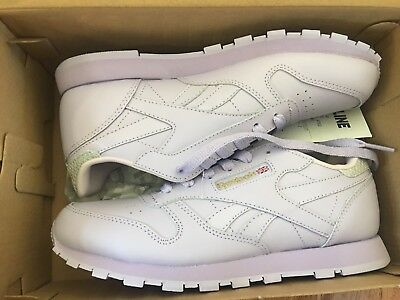 New in the box Reebok classic leather metallic shoes Junior size US 5 Lavenda