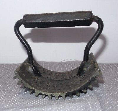 Vintage Antique Cast Iron Pleating Crimping Geneva Rocking Hand Fluter 1800's