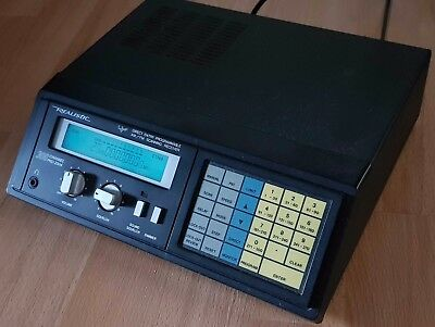 Realistic 2004 Pro 300 Channel UHF / VHF Band Scanner, Vintage made in Japan
