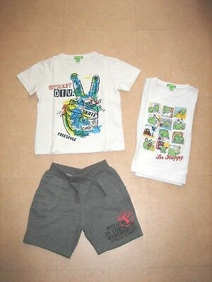 "♥♥ Un ""must-have"" ce lot de 2 T-Shirts et un short Taille 5 ans/110 cm - TBE ♥♥"