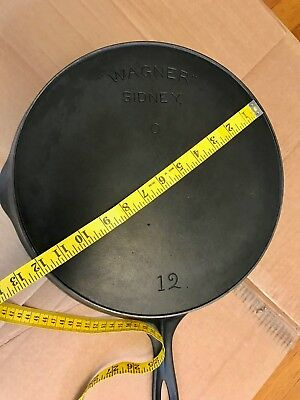 Rare Vintage Large #12 Wagner Sidney -0- Arch Logo Smoke Ring Cast Iron Pan