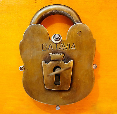 Vintage Antique OLD BRASS Working Large BATAVIA PADLOCK and Skeleton KEY RARE