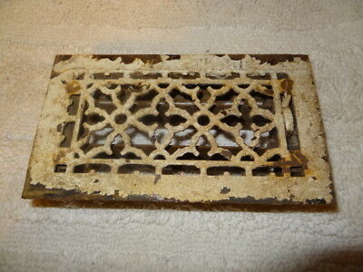 """antique 9 1/4"""" X 5 1/4"""" cast iron floor grate with dampers used"""