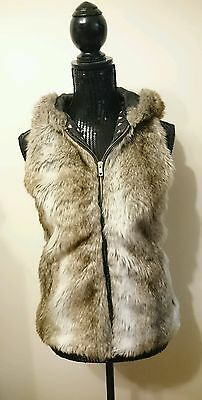 Bershka Faux Fur Hooded Zippered Vest Size Small