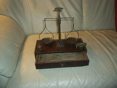 Walnut Wood Apothecary Balance Compass Scale 250 Grams Brass Weights
