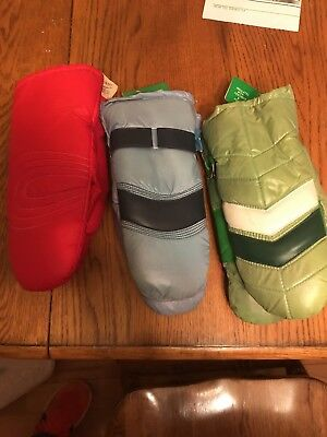 3 Pair of Vintage 1960's Womens and Teens Snow Mittens made in Korea
