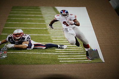 NEW YORK GIANTS AHMAD BRADSHAW UNSIGNED 8X10 PHOTO POSE 3