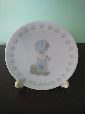 """1988 Precious Moments Months of the Year """"November"""" Plate with Stand"""