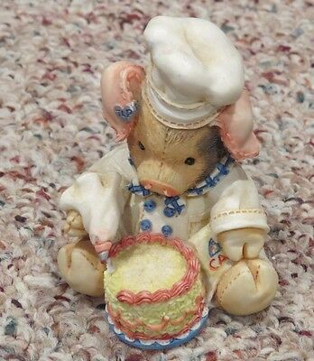 Enesco This Little Piggy 130893 Baking Bacon a Cake decorator Figurine chef 1994