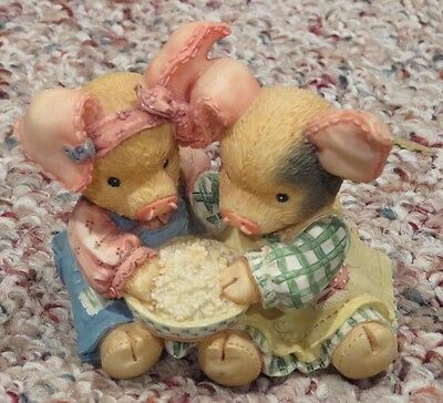 Enesco This Little Piggy TLP 130915 Never a Boar bore with You TV Popcorn figure
