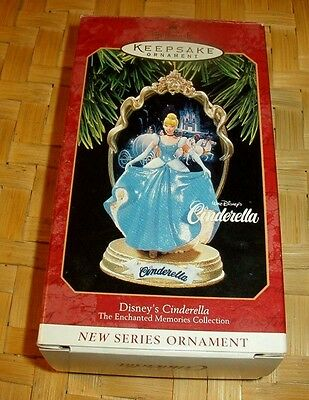 Disney Princess Cinderella Enchanted Memories Collection