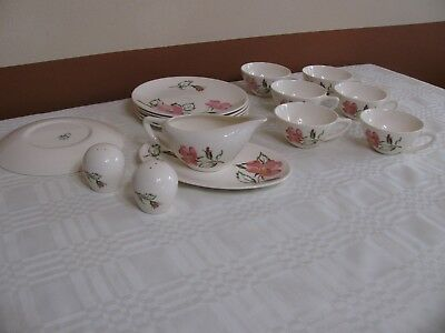 Knowles Sweet Briar Dinnerware 16 Pieces Pink Thorny Stem