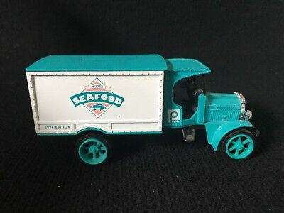 1994 Ertl die-cast Publix Seafood Delivery Truck bank