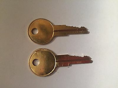 2 CSPS Replacement Toolbox Keys Code Cut R601 to R620 Tool Box Chest Lock Key
