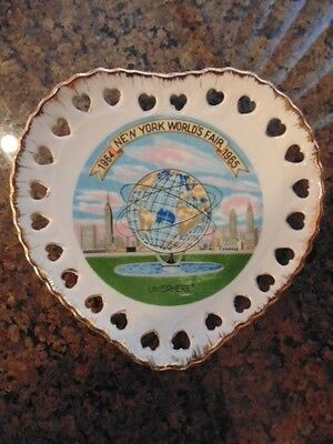 New York Worlds Fair Unisphere Plate Heart Shaped  with 1964 to 1965 Banner
