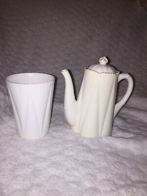 Shelley dainty teapot or coffee pot with beaker rare plain design