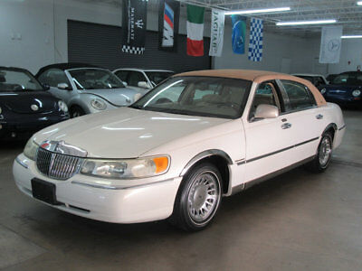2002 Lincoln Town Car Cartier $5800 INCLUDES SHIPPING IMMACULATE FLORIDA NONSMOKER STUNNING CARTIER EDITION