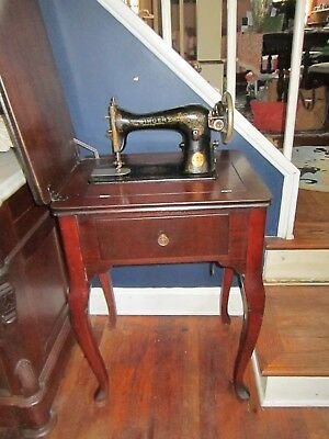 1919 Singer Sewing Machine~Queen Anne Style Wood Table~VG