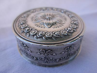 ANTIQUE FRENCH STERLING SILVER PILL BOX,LATE 19th OR EARLY 20th CENTURY,