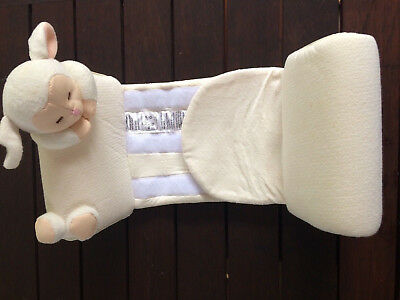 BNWOT The First Years Little Lamb Adjustable Sleep Positioner, Anti- Roll 0 - 6m